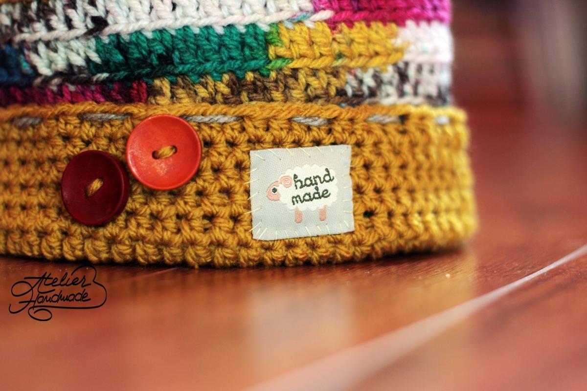 caciula handmade colorata