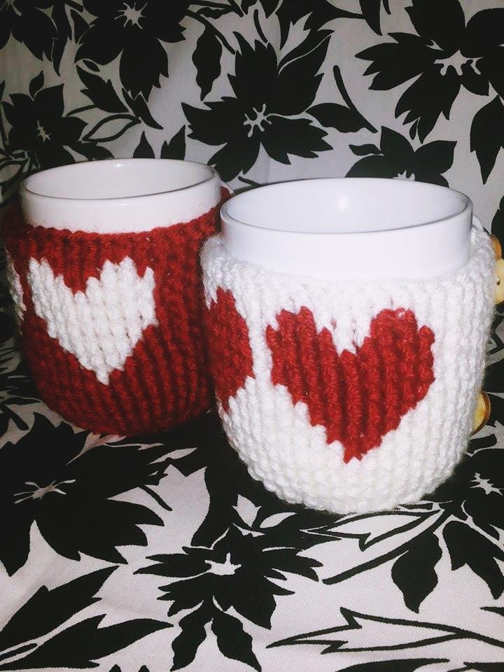 crochet-heart-mug