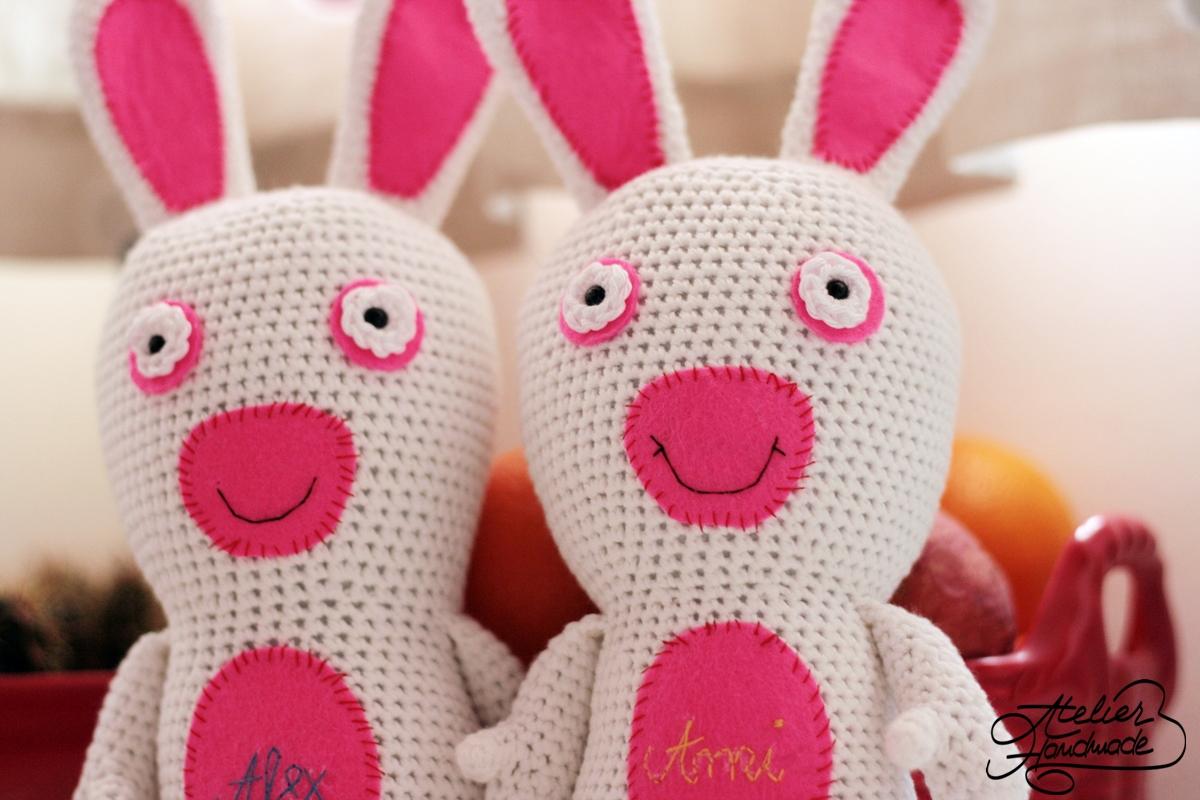 jucarii-crosetate-iepuri