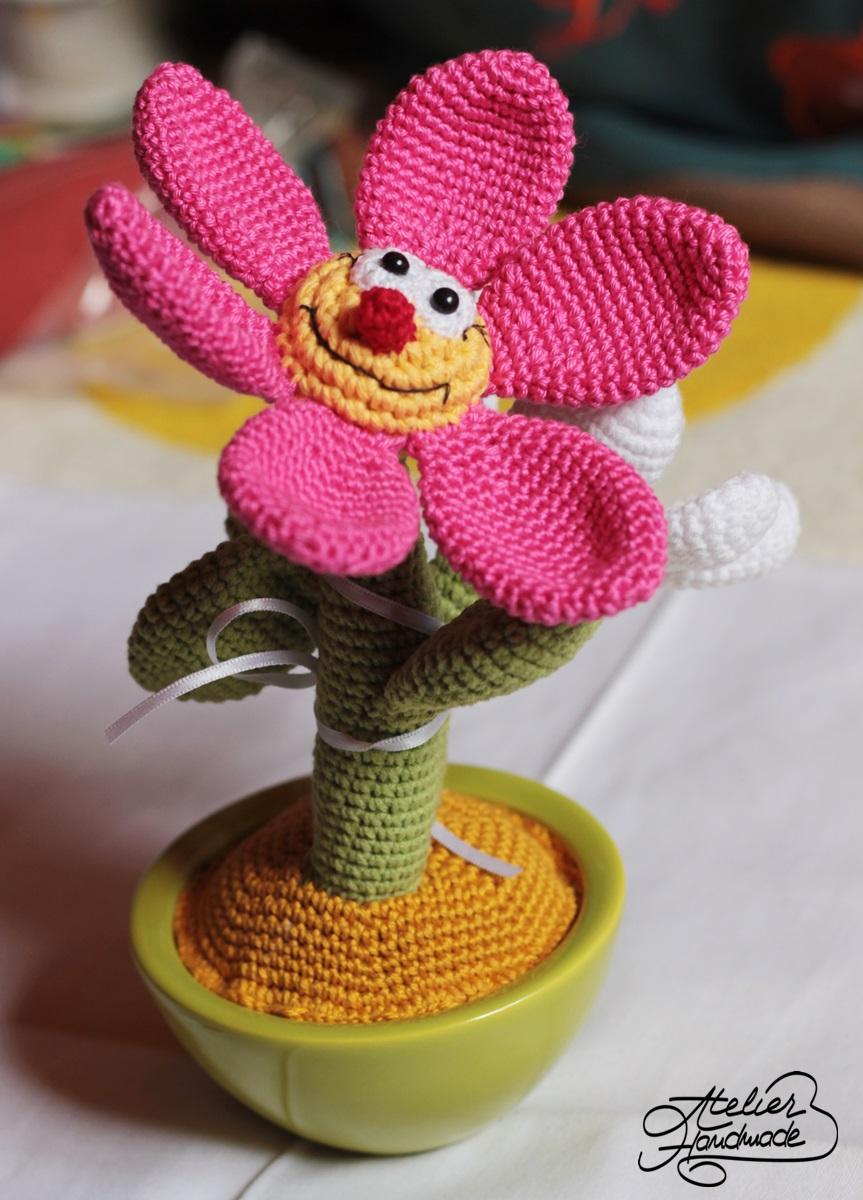 floare-crosetata-in-ghiveci